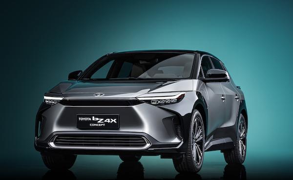 Toyota 大老闆反對燃油車禁令讓股東氣炸,投資者揚言拋售股份!