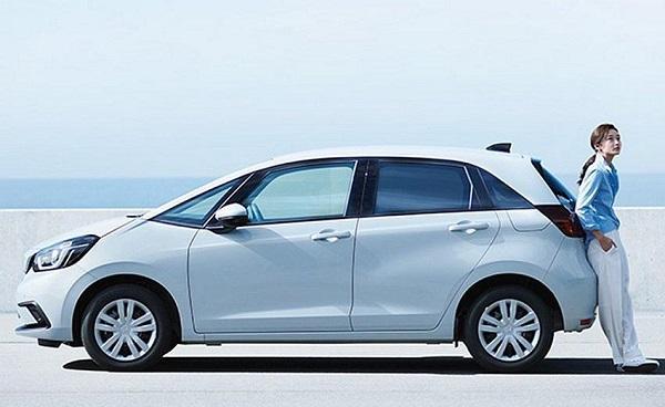 首波就有油電、提供 2 種動力,台灣新一代 Honda Fit 售價配備公布!
