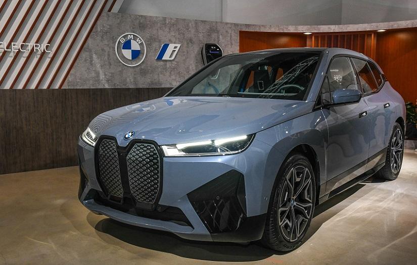 首款純電休旅登台亮相!台灣 BMW iX 貼身近賞搶先體驗