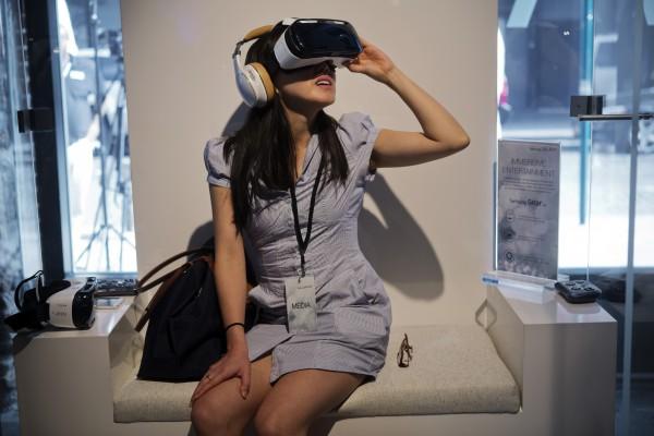 三星、臉書聯手 推出虛擬實境裝置