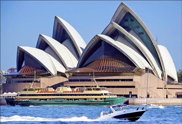 澳洲閃電降息1碼至2.25% 澳元重貶