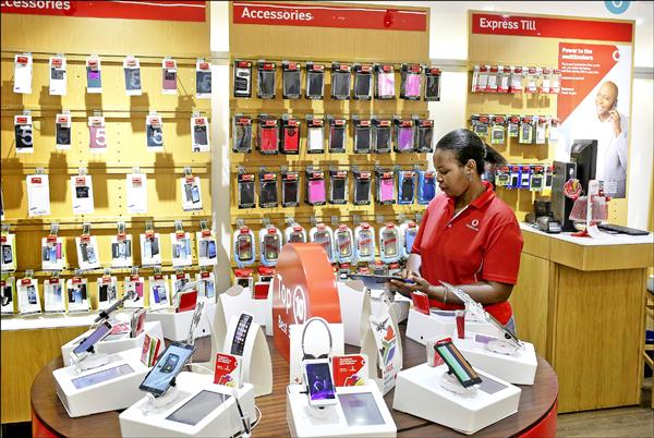 去年全球手機 賣出12.3億支