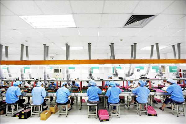 中國公布 去年平均工資近25萬 網民酸︰和馬雲平均 年薪破億