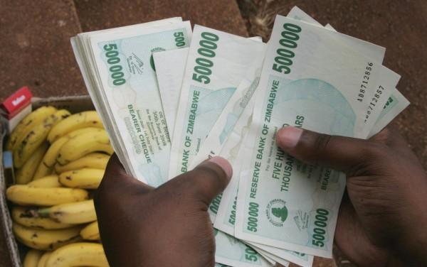 辛巴威正式棄用辛巴威幣 開放民眾換成美元