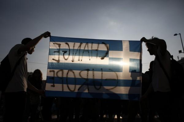 希臘黑色星期一 國際油價下挫2%