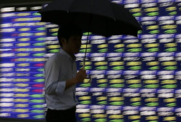 中國股災蔓延 拋售債券換現金