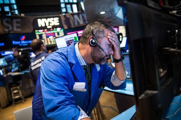 美股重挫 道瓊暴跌逾358點創今年新低