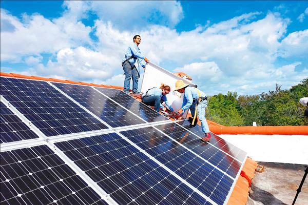 太陽能明年需求58GW 擴廠不斷恐供過於求
