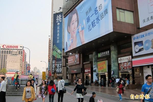 大亞百貨2樓 中國信託人壽15.67億奪標