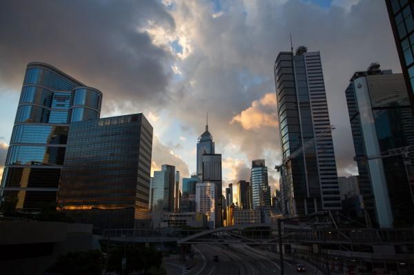 CBRE:香港蟬聯全球住宅最貴城市 每坪均價161萬