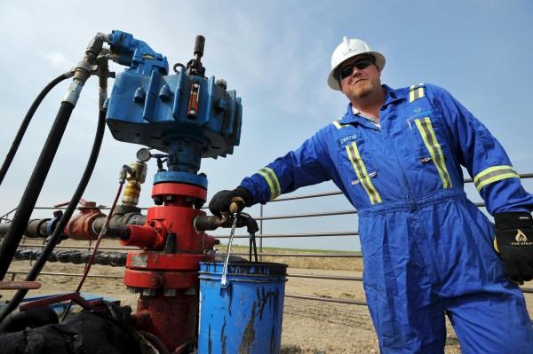 30美元近了!國際油價暴跌5%至12年新低