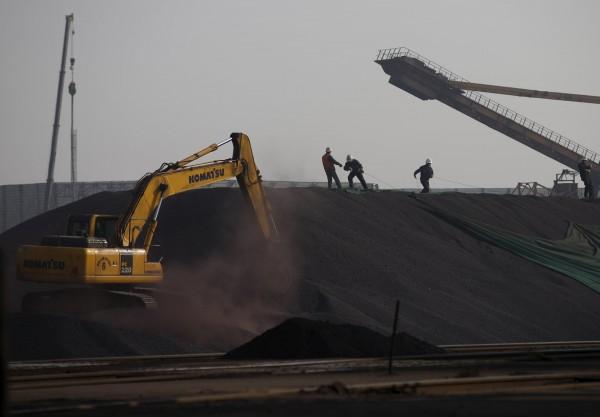 中國砍產能過剩 鐵礦砂和鋼鐵價格飆漲