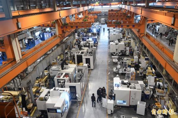 連10黑!二月工業生產年減3.65%