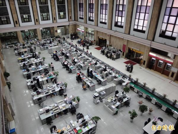 台銀宣布降息 百萬存款年損最高950元利息