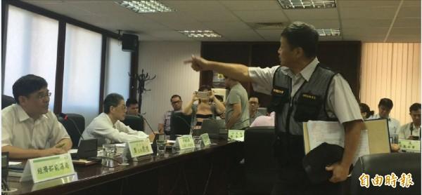 電業法修法說明會爆衝突   台電工會嗆李世光下台
