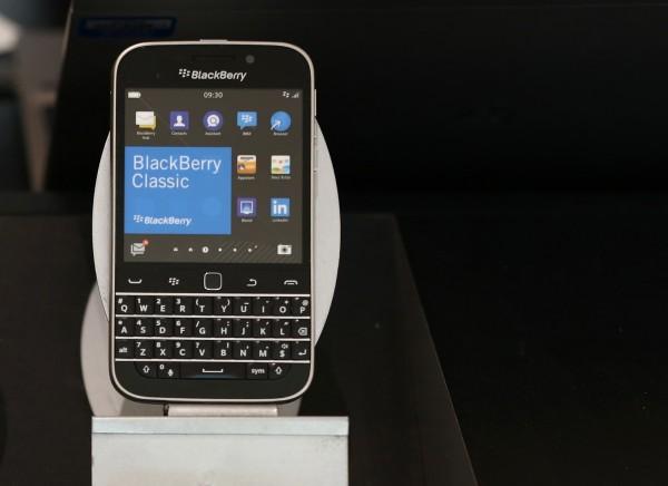 正式消息 黑莓公司宣布停產智慧手機