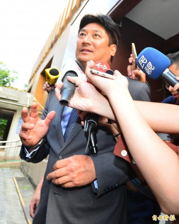 辜仲諒庭後批檢方「起訴無效」留台捍衛清白