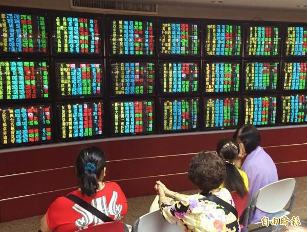 台股收盤下跌29.8點 報9342.42點