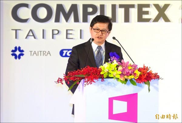 國際電腦展揭幕 童子賢︰法規應跟上新科技