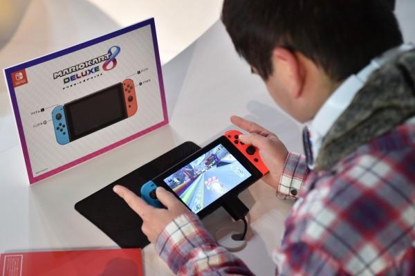 任天堂Switch熱銷拚出貨 最大競爭者卻是蘋果?