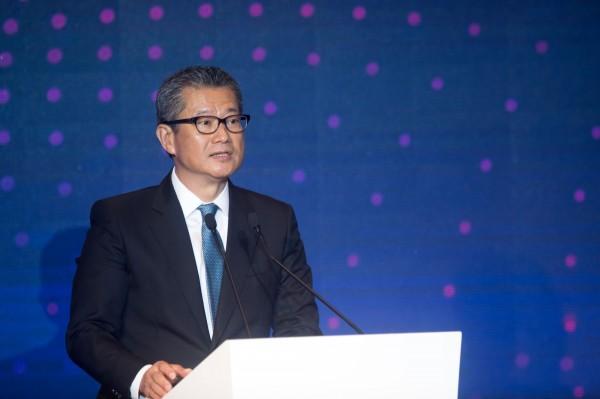 香港房價漲不停 財政司長陳茂波示警