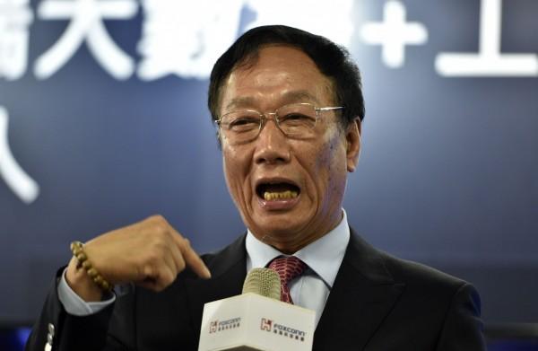 鴻海70億美元面板廠 月底揭曉是否落腳威斯康辛