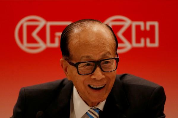 同是脫中富豪 他分析李嘉誠、王健林成敗原因
