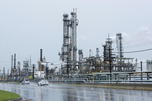 超強颶風哈維侵襲 可能減少美30%煉油產量