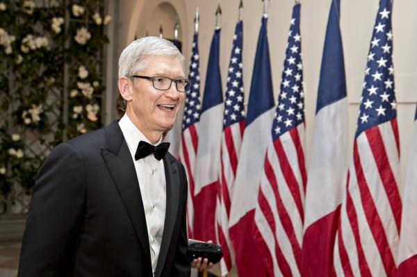 美中貿易戰 川普求助Apple執行長庫克找方向