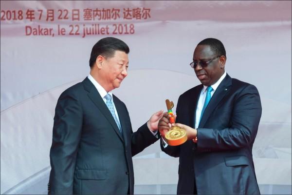 習近平用貸款綁架 「套牢」非洲國家
