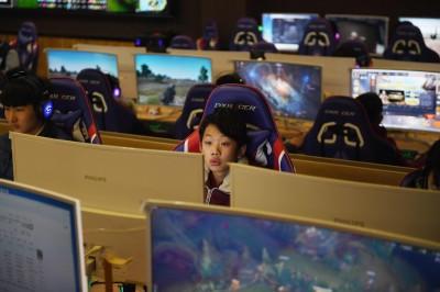 防近視!中國官方限制遊戲總量 騰訊股價跌逾5%