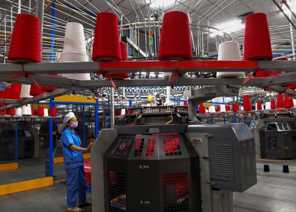 遭美國關稅痛擊 中國出口訂單驟降、製造業疲軟