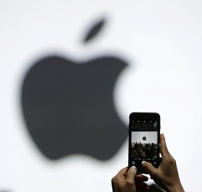 手機降速爭議!義大利對蘋果、三星開罰