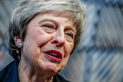 梅伊求救遭歐盟打槍 英鎊急貶0.7%