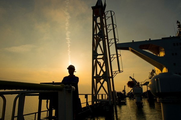 全球市場上揚激勵!國際2大原油價格飆漲逾2.5%