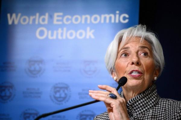 趕在世界經濟論壇前  IMF再下修今明年全球預測