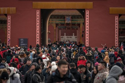中國經濟降溫 今年春假國內遊客人次、消費增長放緩