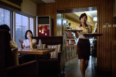 這間北韓餐廳看準解凍商機 吃得到美式漢堡和咖啡!