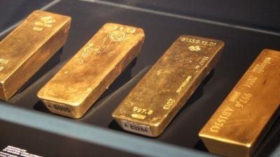 美中談判獲進展、削弱避險 黃金微跌0.1美元