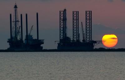 美擬結束伊朗石油豁免 國際油價觸及半年新高