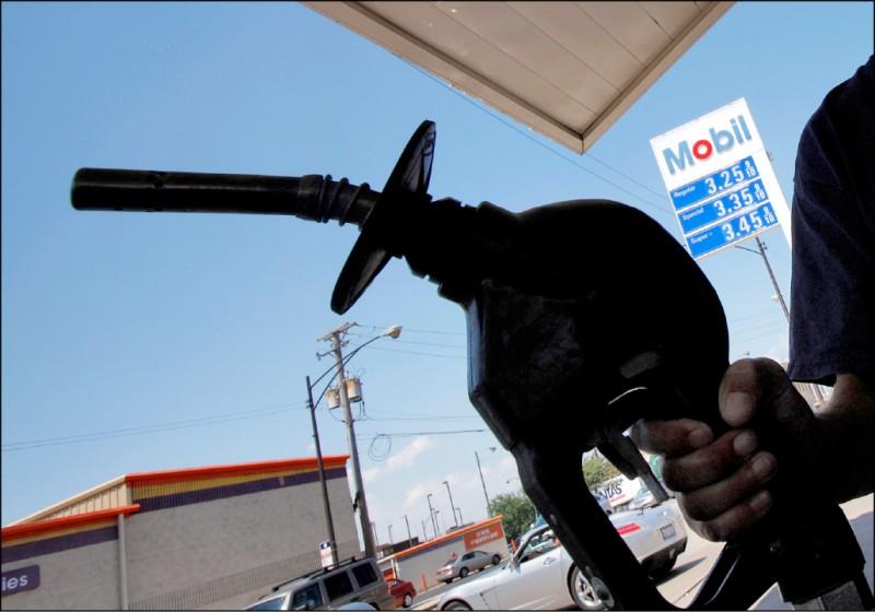 連續9週做多油價 避險基金13年首見