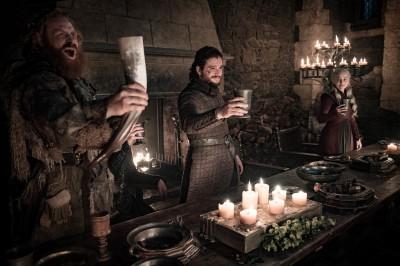 「咖啡杯」亂入《冰與火》 星巴克獲717億免費廣告
