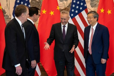 川普暗示中國仍願談成協議 美股早盤平盤震盪