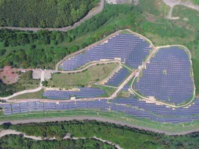 再生能源躉購機制穩定 貝萊德與永鑫、雲豹能源簽署115MW投資案