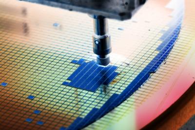 《科技與創新》挑戰摩爾定律極限 可考慮不同半導體架構