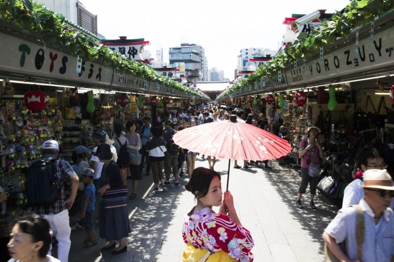 日本Q1經濟成長恐為負 10月提高消費稅遭質疑