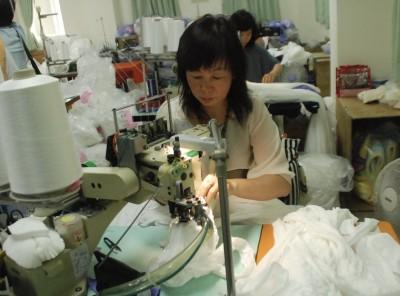 社頭發大財?中美貿易戰迎來3億雙襪子 業者神回...