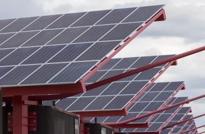 中國太陽能產業遭各方困境  正用這招求出路