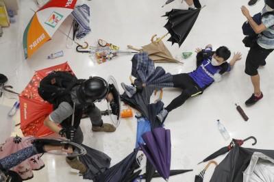 香港零售管理協會:反送中期間  銷售收益下降1到2位數