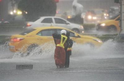 北台大雨 多處1級淹水警戒 低窪地區民眾注意